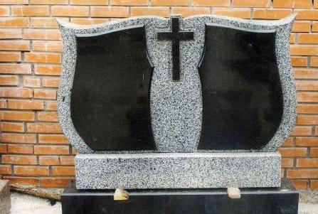 Надгробные памятники из гранита. Как оформить двойную могилу?